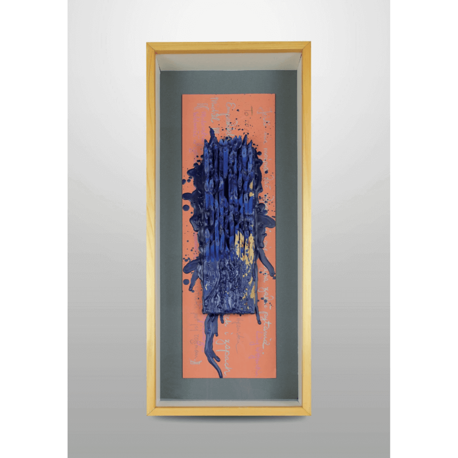 Andrzej Szewczyk (kawałki ołówków na dębie, karton zapisany tekstem A. Szewczyka, enkaustyka, ultramaryna).